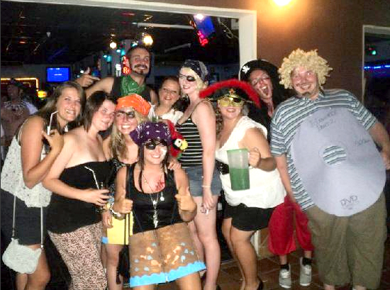 Flicks Bar - Corralejo best bar for singles, dancing, music.